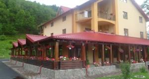 Vacanta in judetul Neamt: Cazare pensiunea Edera