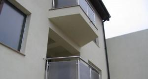 Inomet Design ofera balustrade din inox cu sticla!