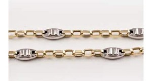 Orice domn poate purta un lant din aur ca simbol al elegantei