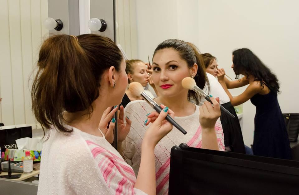 Cursuri make-up Brasov – incepe-ti cariera in domeniul make-up-ului
