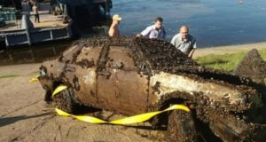 Un scafandru a descoperit la fundul râului Volga, într-o mașină, corpurile neînsuflețite a unui cuplu dispărut în urmă cu 12 ani